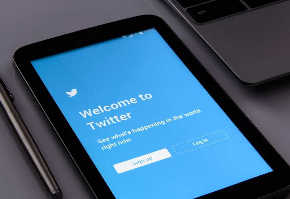 Bug in Twitter Exposed the Protected and private Tweets of Users