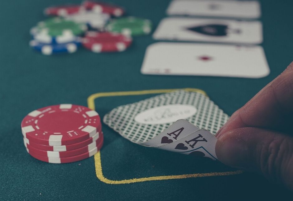 Building Bricks-and-Mortar Brands in a High-Tech World: What Casinos can Teach You about Marketing