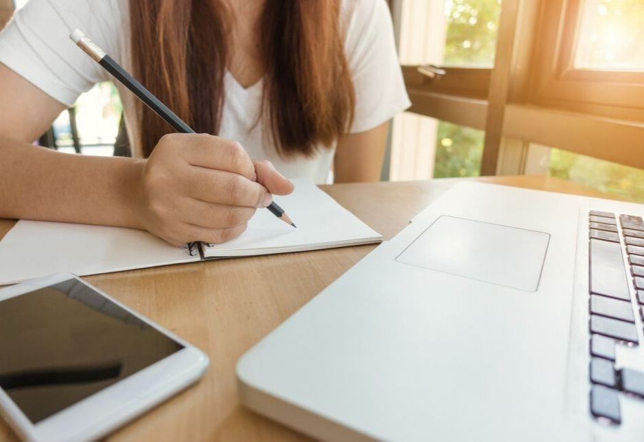 14 Best English Grammar Websites for College Students